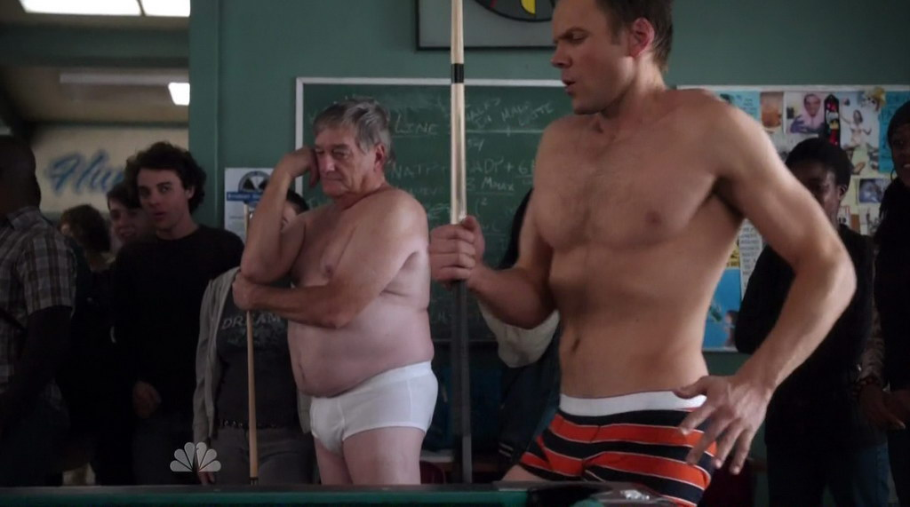 iiJoelMcHale_Community_s1e17_PhysicalEducation_20100304_125