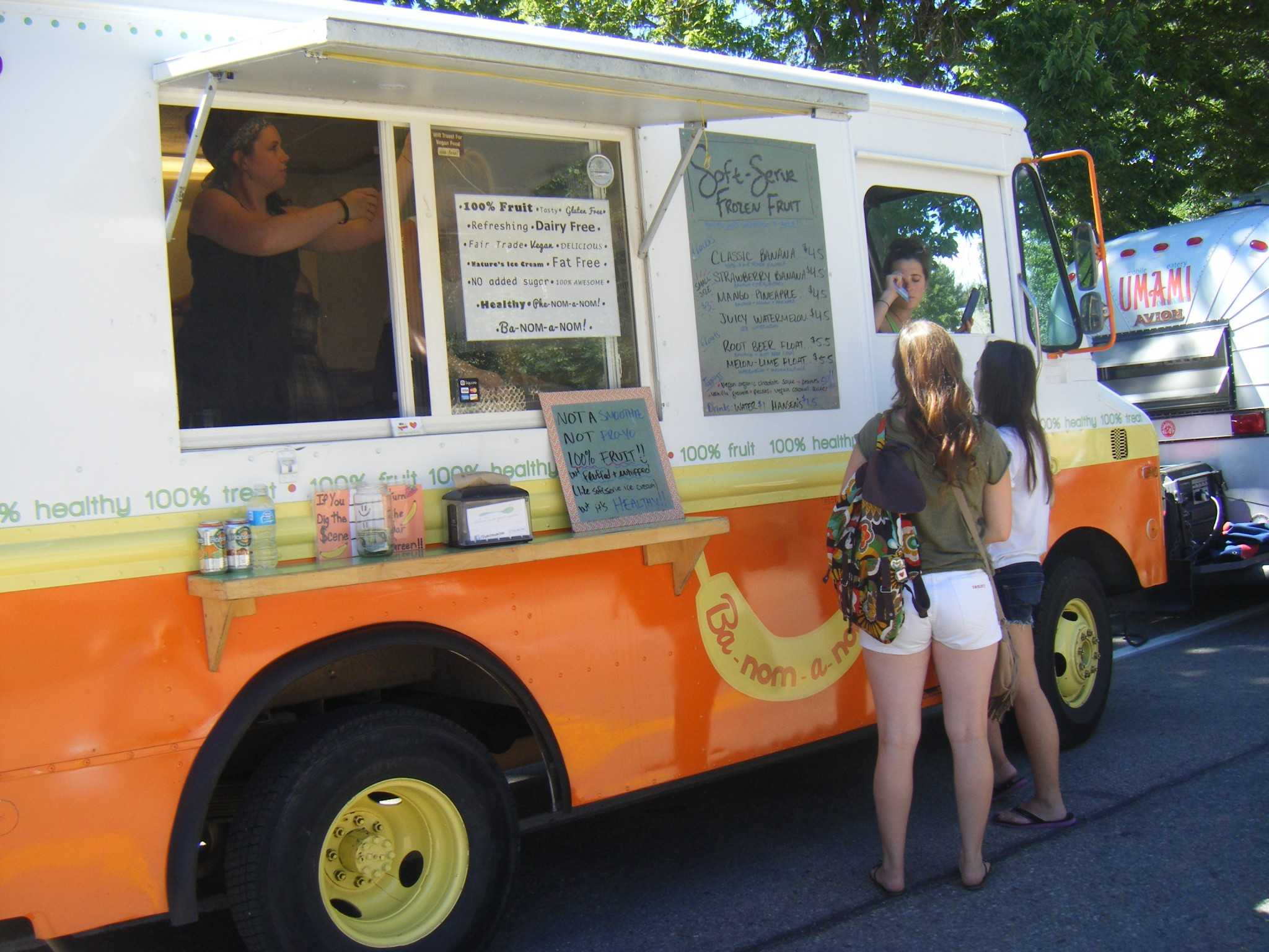 food trucks bring new lunch options to csu. Black Bedroom Furniture Sets. Home Design Ideas