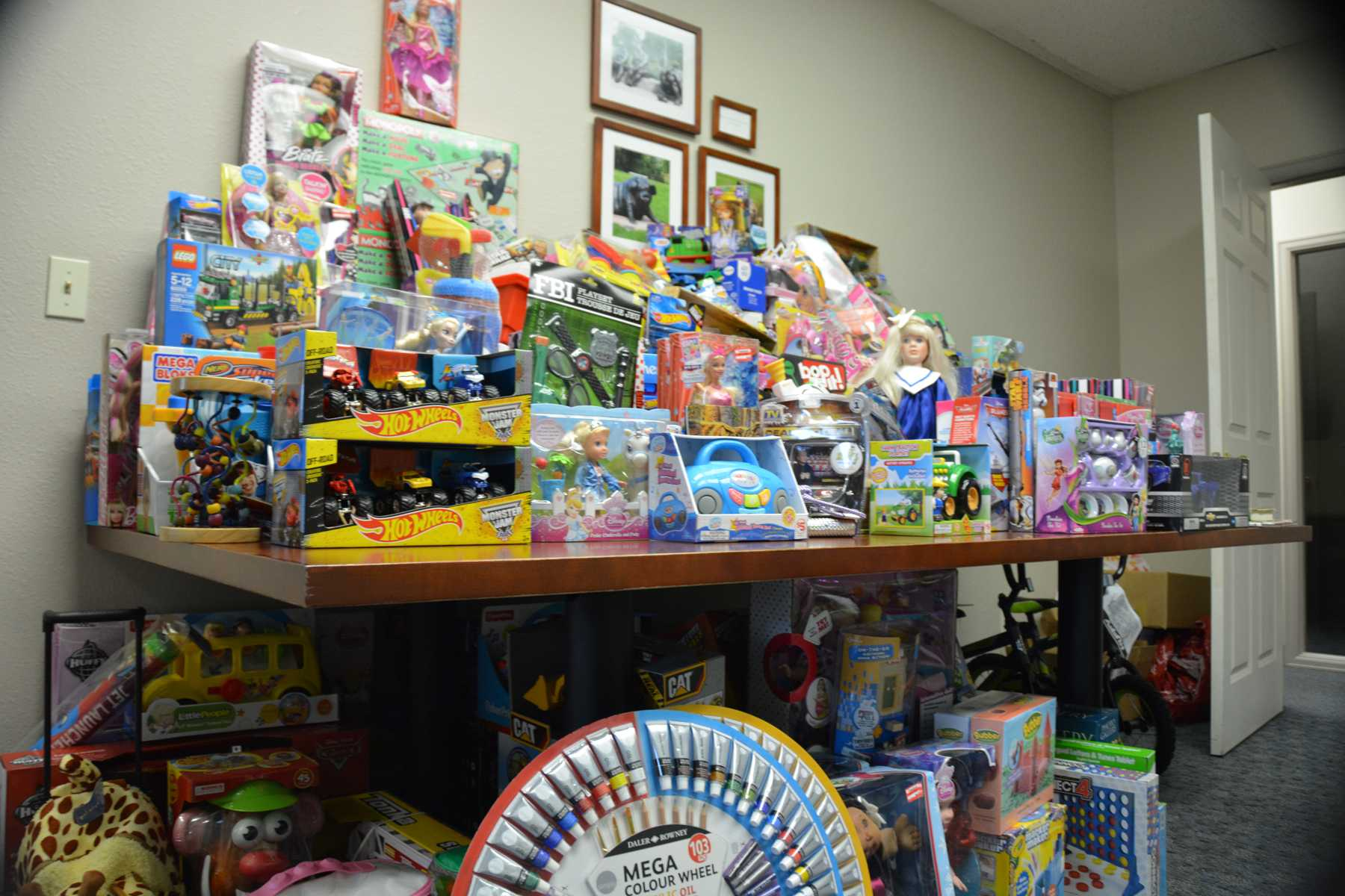 Santa Cops of Larimer County provide holiday gifts to