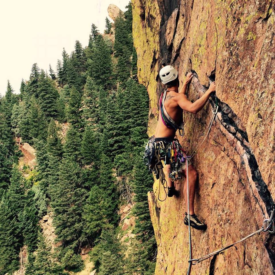 Twin ropes in use on a traverse at Eldorado Canyon. (Photo By: Alexie Smirnov)