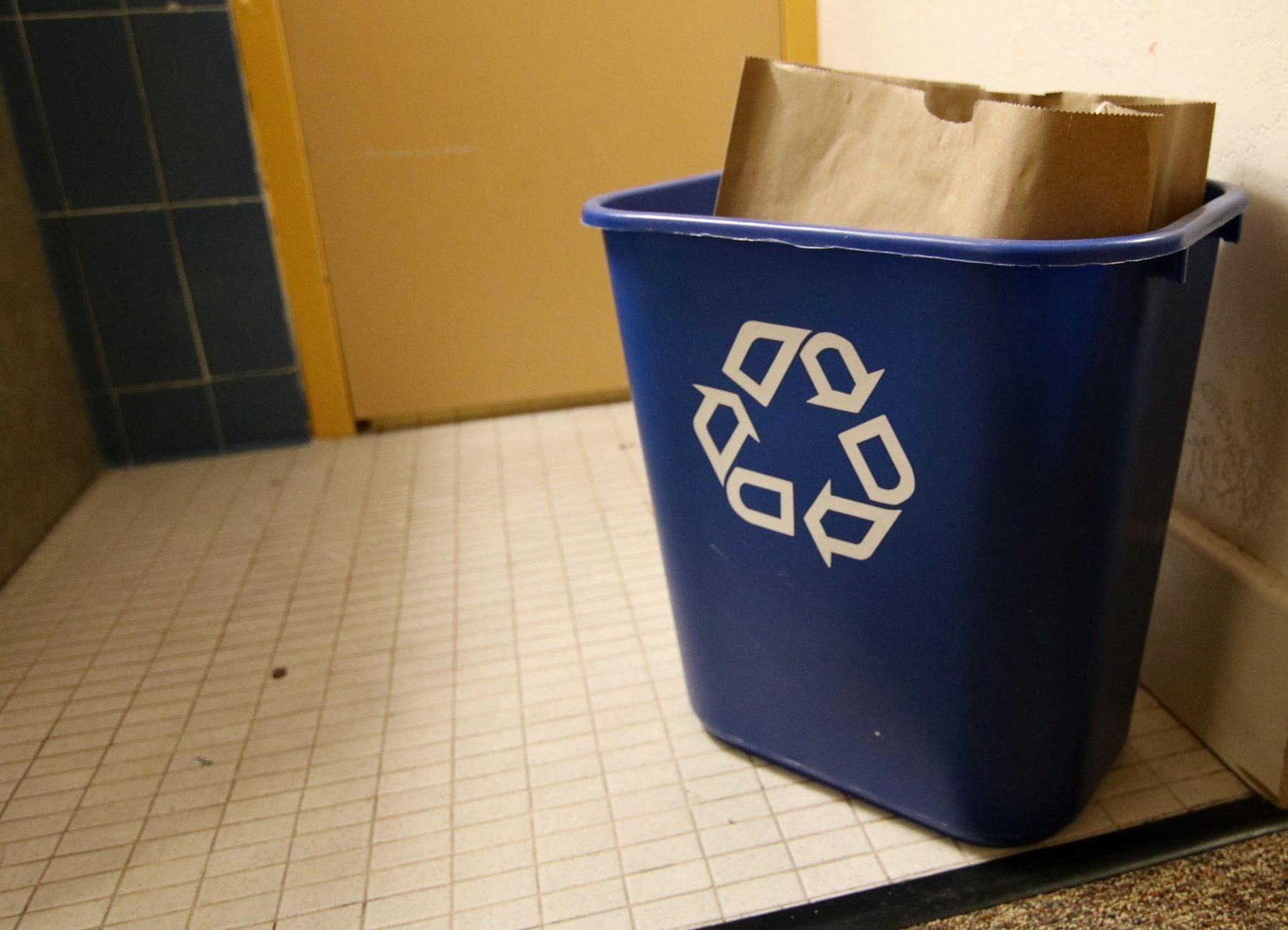 Housing and Dining embraces paper recycling bags to reduce ...