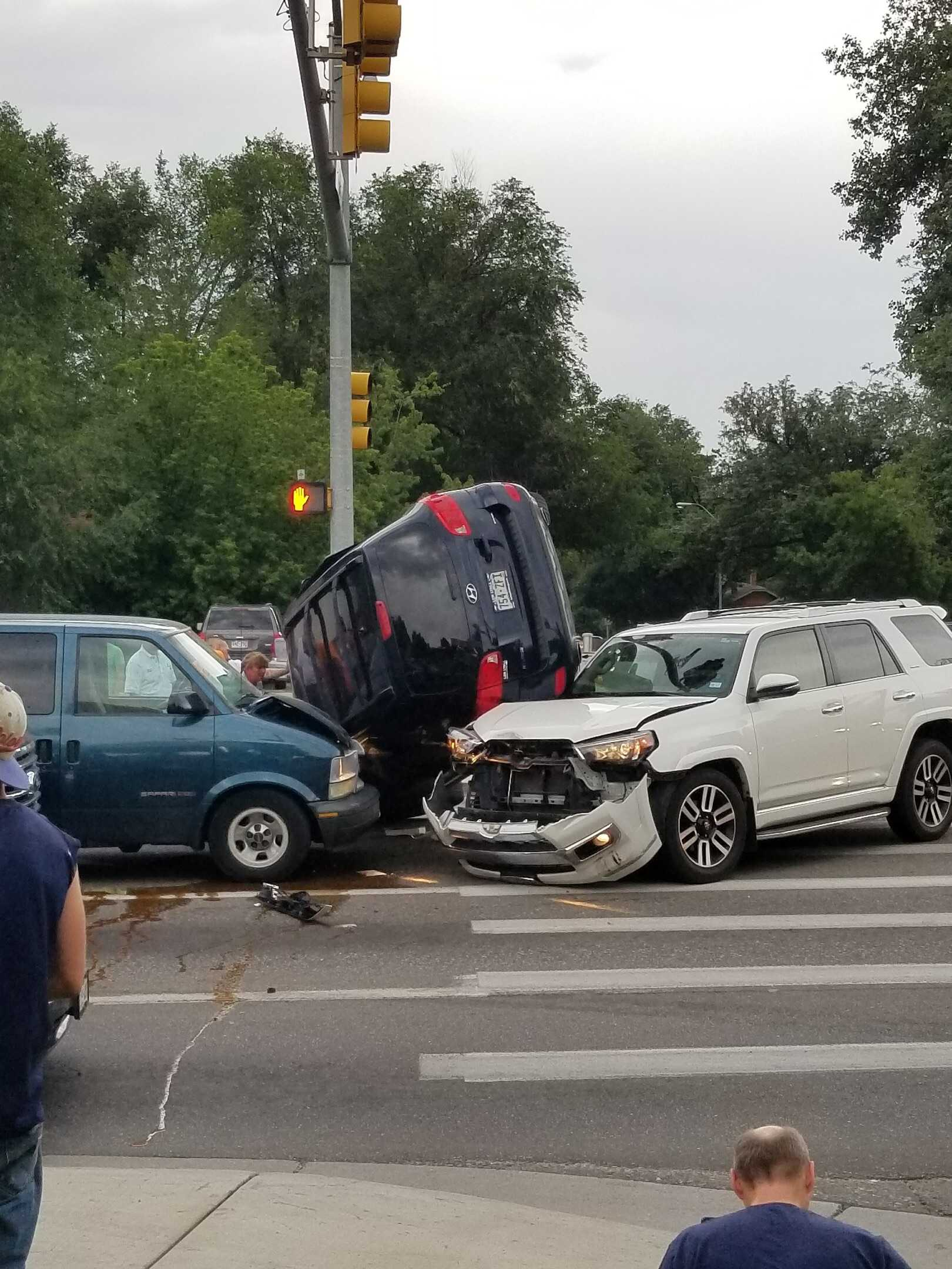 Three cars involved in accident at intersection of Mulberry